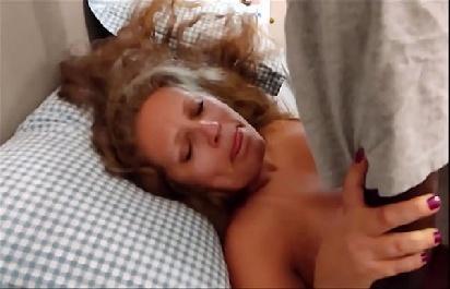 Vídeo amador negão cacete gostoso dotadão  comendo a milf metelona  loirinha  top  putona